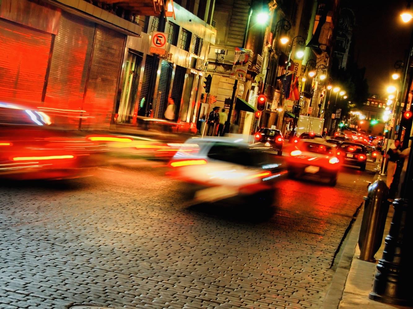 Imagen de autos en la ciudad de Querétaro que cuentan con un seguro de auto en Querétaro de Asegurando.mx